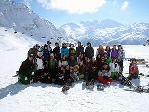 Skiing extracurricular activities in switzerland