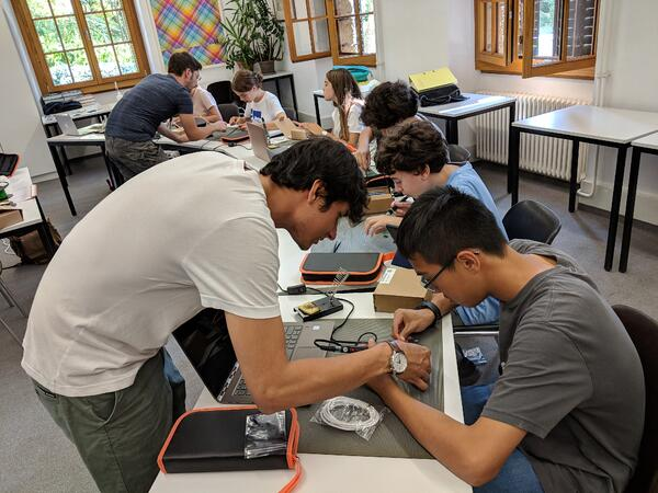 Students programming with Arduino at Brillantmont International School