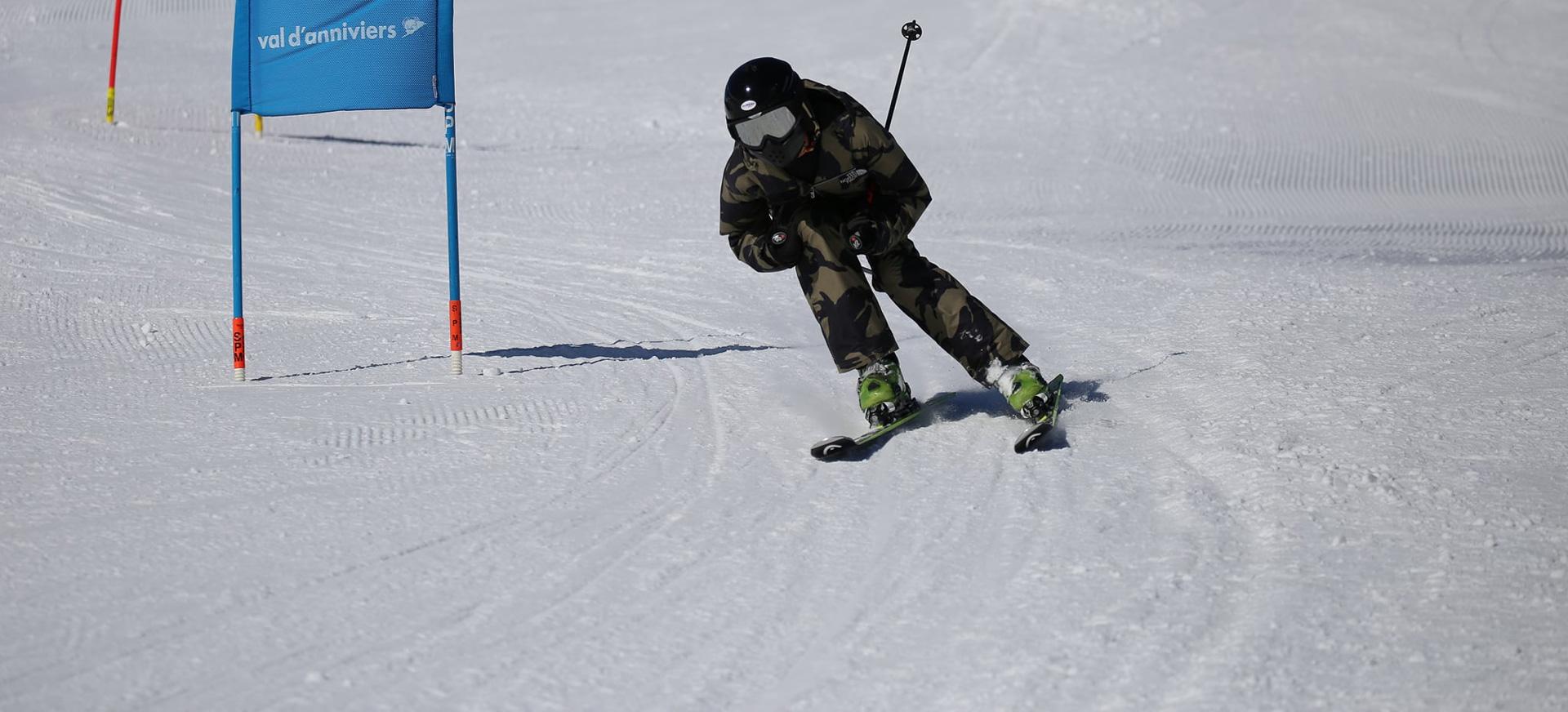 Brillantmont-International-School-Ski-week-and-winter-camp-in-Switzerland---on-the-slopes