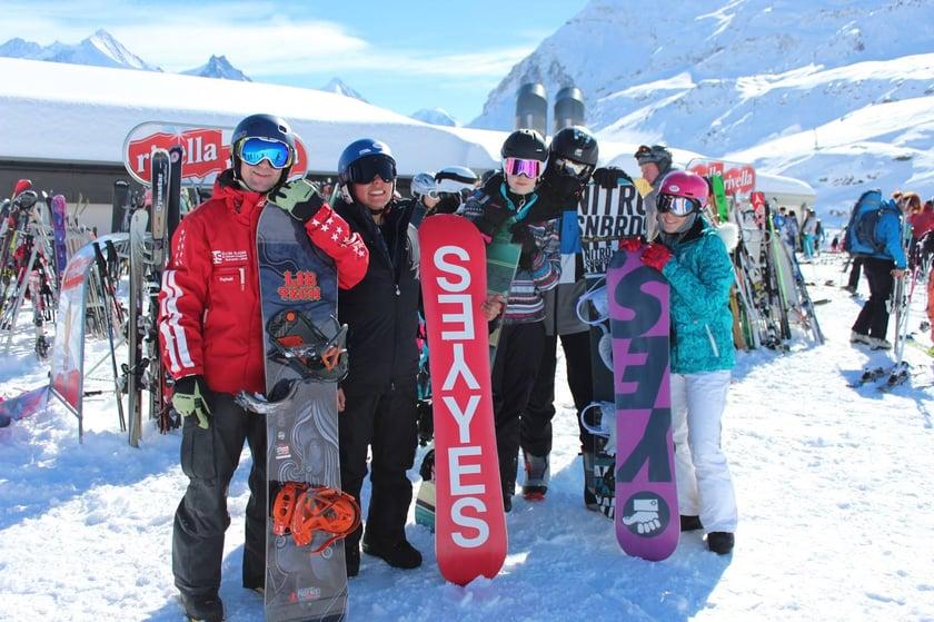 International School snowboarding