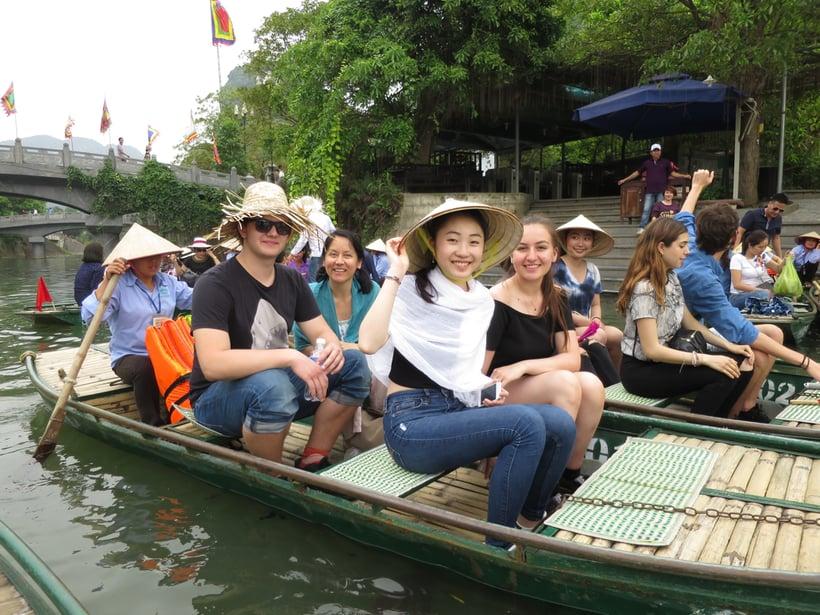 Boat tour Vietnam