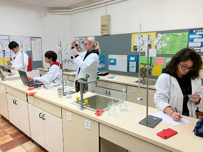 Chemistry-Class-IGCSE-and-A-Levels-Programme-at-Brillantmont-International-School
