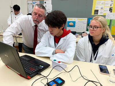 Chemistry-IGCSE-and-A-Levels-Programme-at-Brillantmont-International-School
