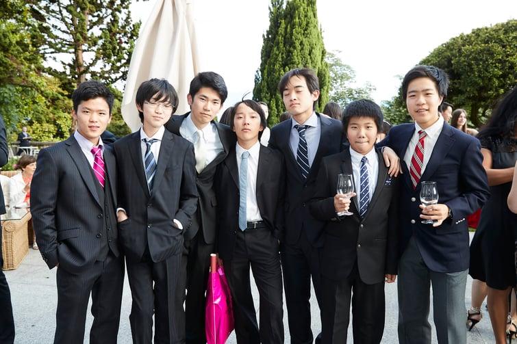 international students group shot