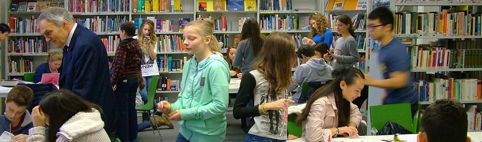 brillantmont-boarding-school-library-205.jpg